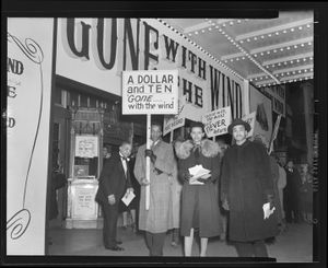 Picketing Gone with the Wind outside Lincoln Theatre, 1947 Courtesy of the Archives Center, National Museum of American History, Smithsonian Institution © scurlock