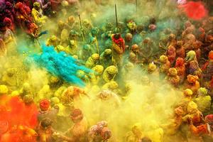 4th season: Life in Color. Grand Prize Winner, Anurag Kumar, India. Image courtesy Hamdan International Photography Award.