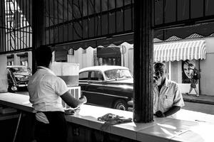 Un bar in Calle Neptuno, Centro Habana.