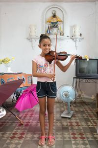 """A young girl played """"Twinkle Twinkle Little Star""""  for me in the suburb of Havana, Cuba"""
