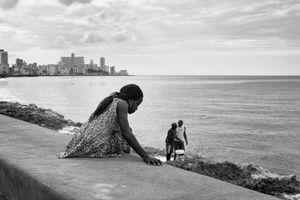 EN EL MALECON, LA HABANA, CUBA 32