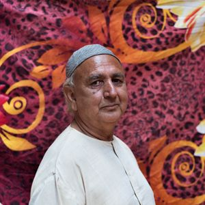 """Mohamad Sultan, 65 years old, Srinagar.She retired from matchmaking since 8 years and now she has no source of income. """"I really enjoyed the matchmaking, also because i had never been good at singing and dancing"""". Mohamad nowadays lives with her brother and blame very much his family: """"when i was earning good money all my family was supporting me, but from the day after i quit the job, everyone di"""