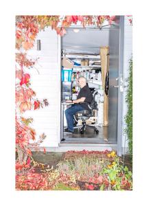 Martin Svensson, artist manager. Homeoffice in the storage in the garden