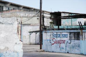 """""""Socialismo Siempre"""" sign © Mariette Allen"""