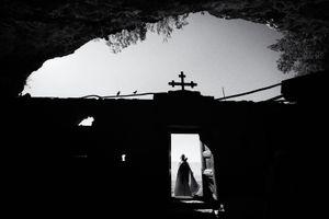 Pilgrimage at Lalibela, Ten.