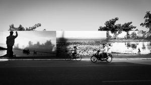 Streets of Phnompen (b&w)