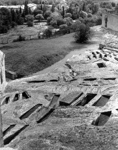 Stone Graves, Abbaye Montmajure, France