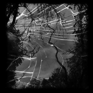 Clara Mill 04_Cracked Miror serie