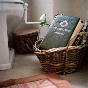 The Living Bible Paraphrased © Yael Ben-Zion