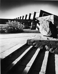 """Taliesin West, Scottsdale, Arizona, 1946. From the photobook """"Modern Photography and the American Dream"""" © Maynard Parker"""