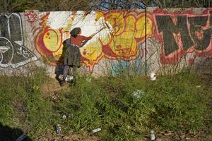 Covering Graffitti
