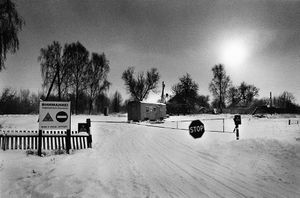 Check point beginning of the evacuated zone, Krutoie, Chechersk (Belarus) © Pierpaolo Mittica