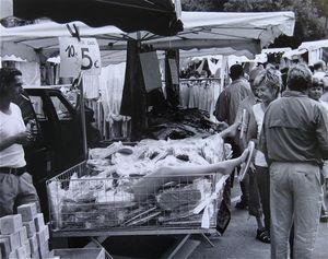 Market Day, St. Remy © Eric Blau