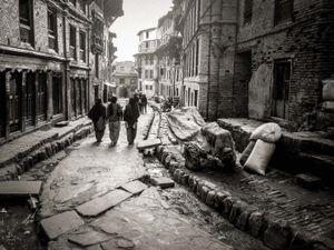 Women in a side street, Bhaktapur, Nepal
