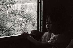 Fille birmane au viaduc de Gokteik