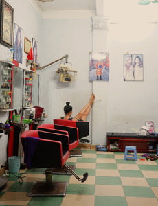 Night at the hairdressers - Vietnam