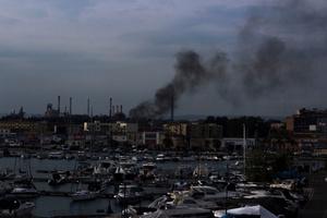 Taranto: the ocher death
