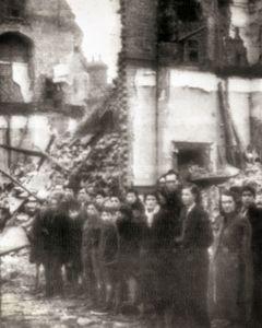 Nazi's Bomb London
