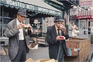 New York, circa 1971-early 1990s, © Helen Levitt. Courtesy Laurence Miller Gallery and/or powerHouse Books.