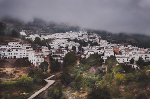 Village in the Clouds / El Pueblo en las Nubes