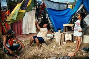 Family at Copa do Povo occupation