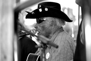 Bluesman Warner Williams