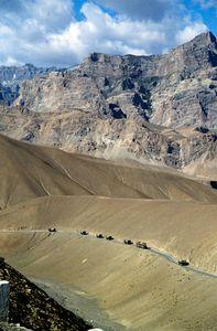 Konvoi durch den Himalaya