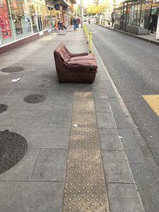 sofa défoncé-Servette