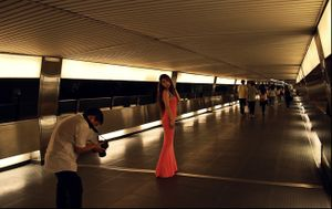 Central fashion tunnel