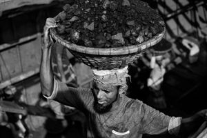 Bangladesh Unloading Coal