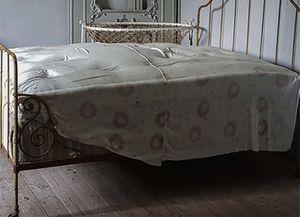 Les Perriaux - Le lit de bébé