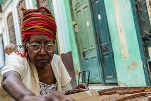Cuba Domino Move #1