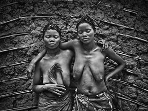 © Patrick Willocq - Sisters Walé Besawu and Bakuku