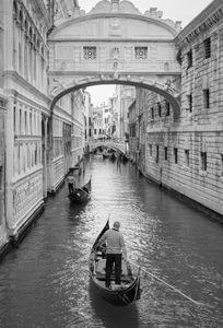 Gondoliers Under the Bridge of Sighs