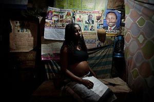 Poor Choices © Sarah Elliott. In defiance of the criminalization of abortion and the health risks illegal abortions can pose, women in Kenya have continued to control unwanted pregnancies. Poor Choices juxtaposes the available termination methods, from the hygienic settings and overall safety of abortion