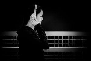 Resonance of silence