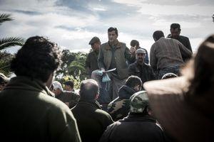 José Troco directing the draw of hunting places. © Antonio Pedrosa