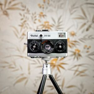 CameraSelfie #70: Rollei 35