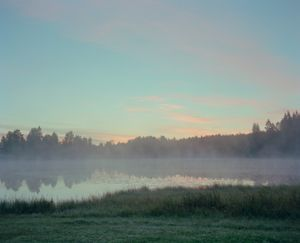 "Sunrise at Vimpelinlampi. From the exhibition ""Kainuu"" © Jussi Sarkilahti"